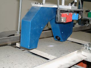 Glanzmessung an Keramikbodenplatten